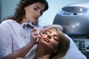 Аппаратный пилинг для омоложения кожи лица