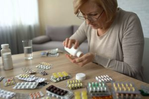 Аптеки, лекарства и самолечение