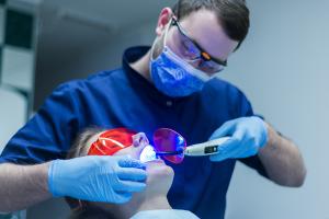 Лазеротерапия в стоматологии