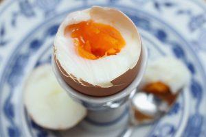 Диетическое потребление холестерина или яиц не увеличивает риск инсульта